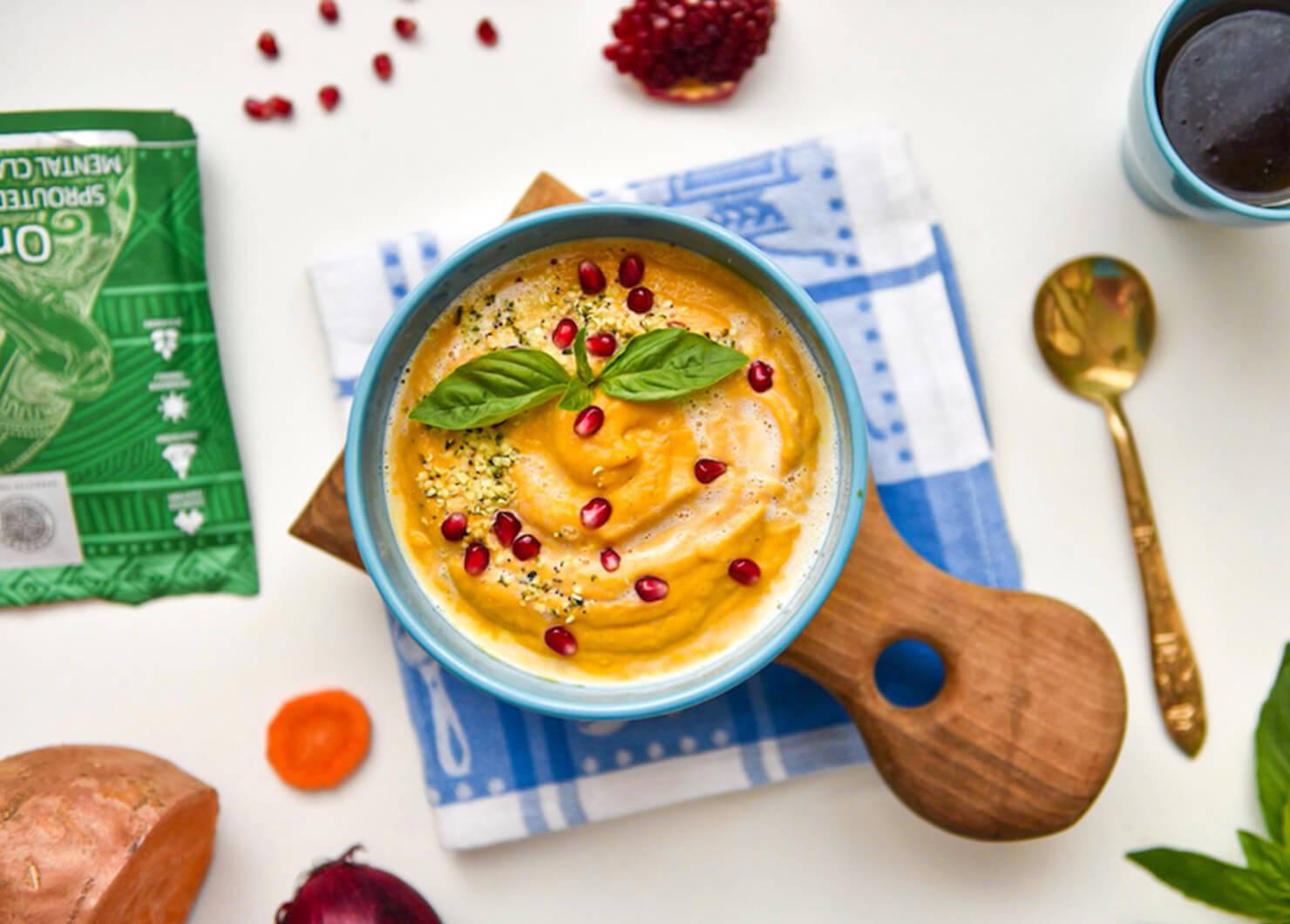 Супа от сладък картоф, кокосово мляко и Oracle