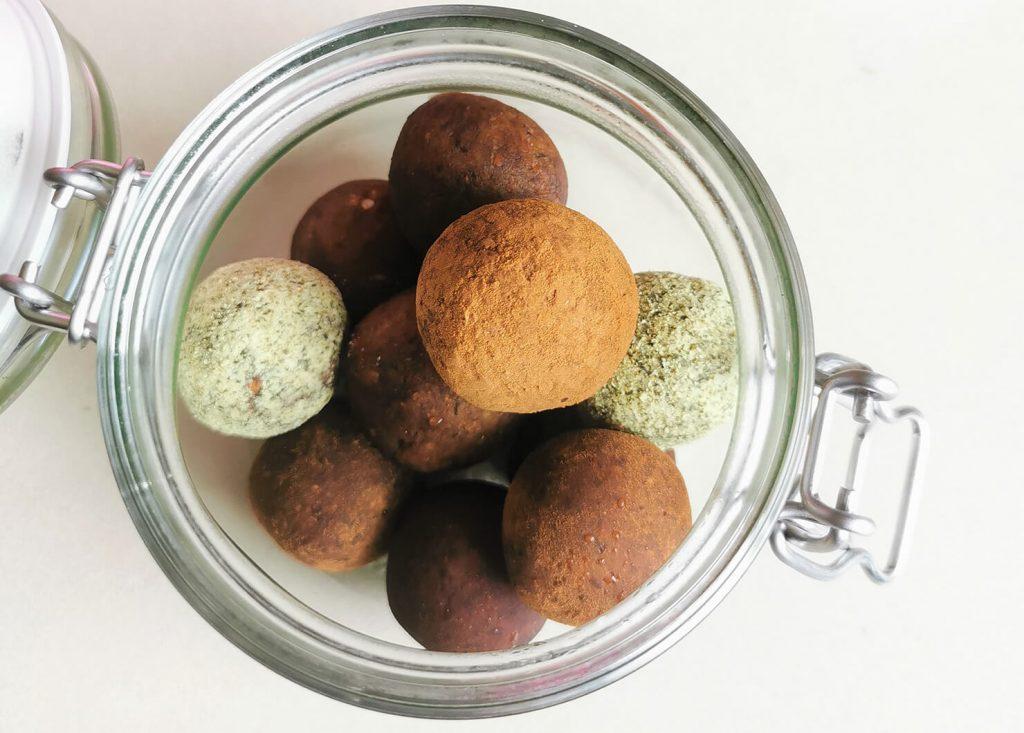 Сурови бонбони с бадеми, тиквено семе и Druidess
