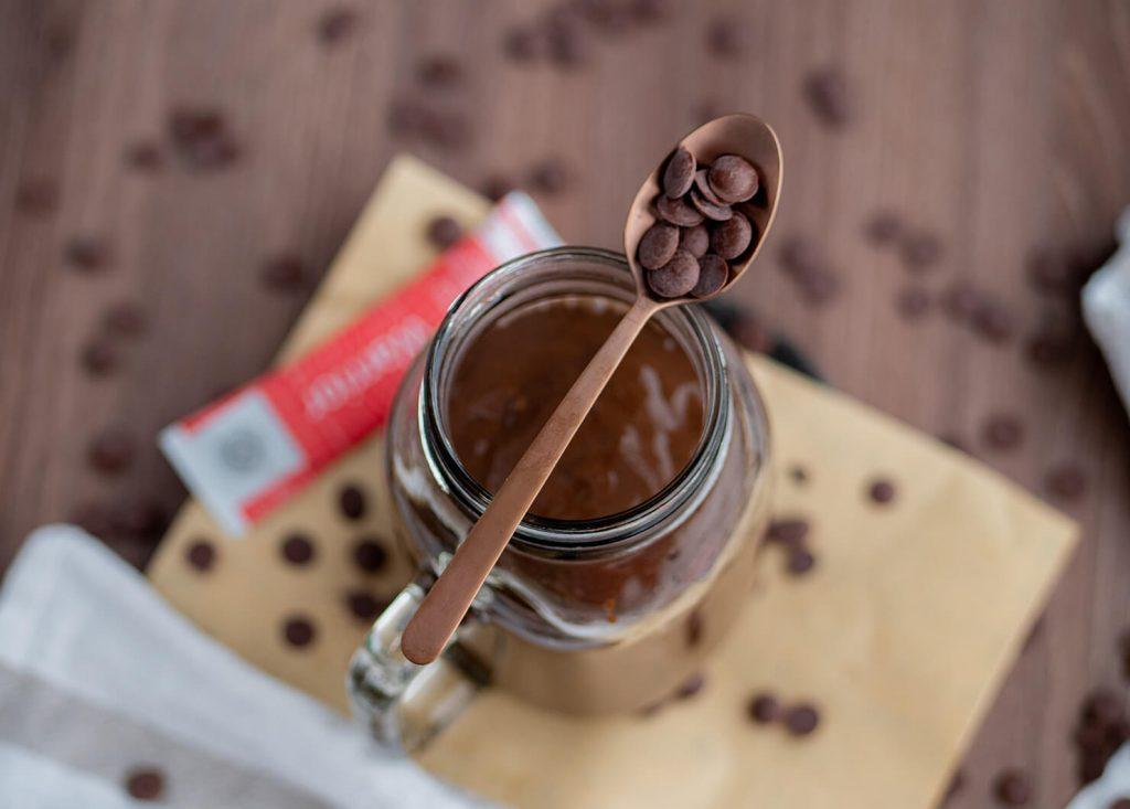 Смути Warrior с шоколад, рожков и кайсии
